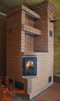 Отопительная печь с варочной панелью и угловым расположением топочной дверцы